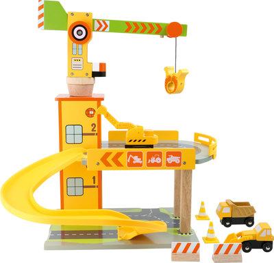 Houten Parkeergarage met bouwkraan