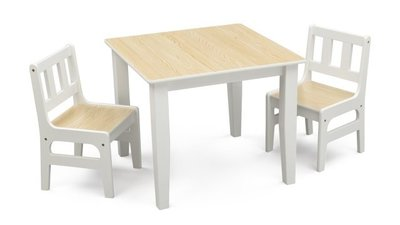 Kindertafeltje met 2 stoeltjes wit